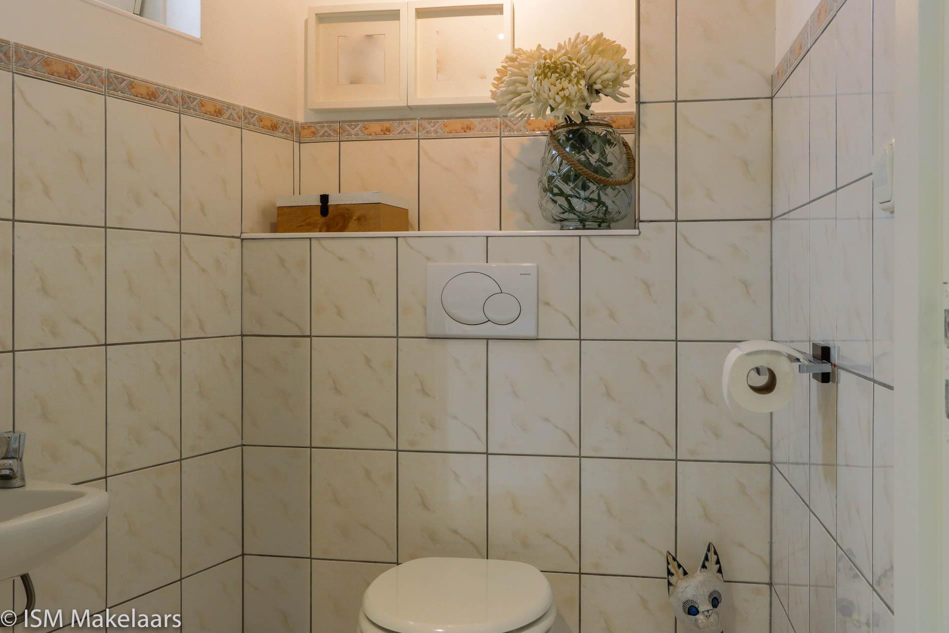 toilet nazareth 55 wolphaartsdijk ism makelaars