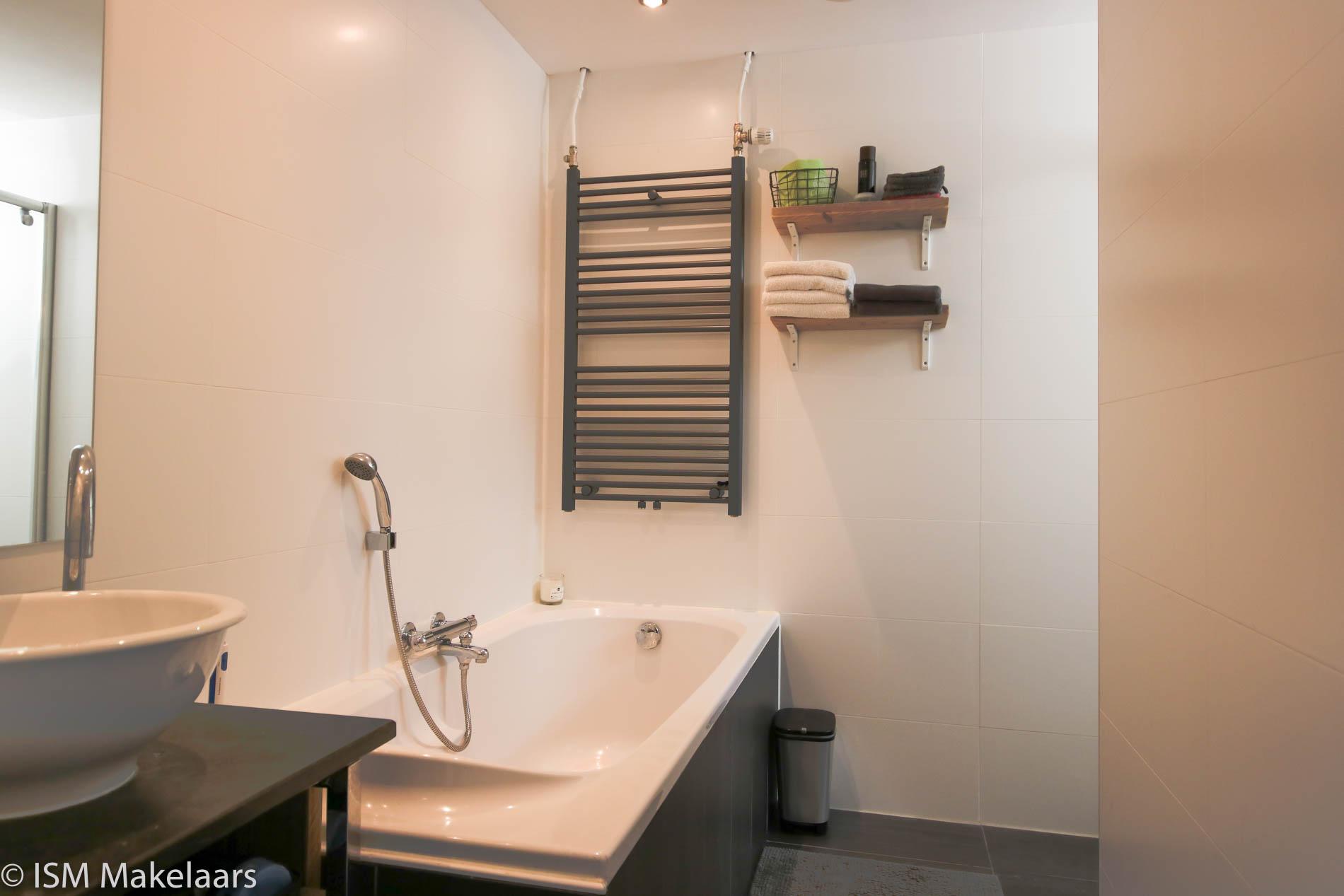 badkamer lepelstraat 19 wolphaartsdijk ism makelaars