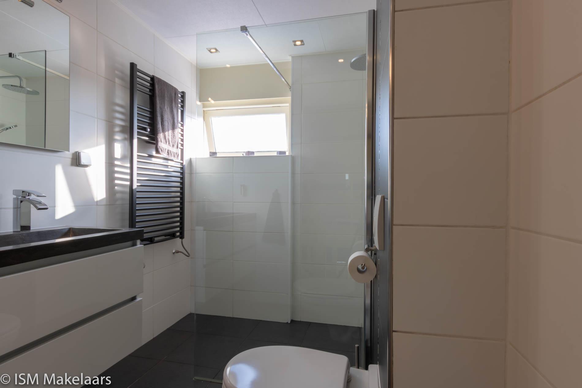 badkamer blikkenburg 55 vlissingen ism makelaars