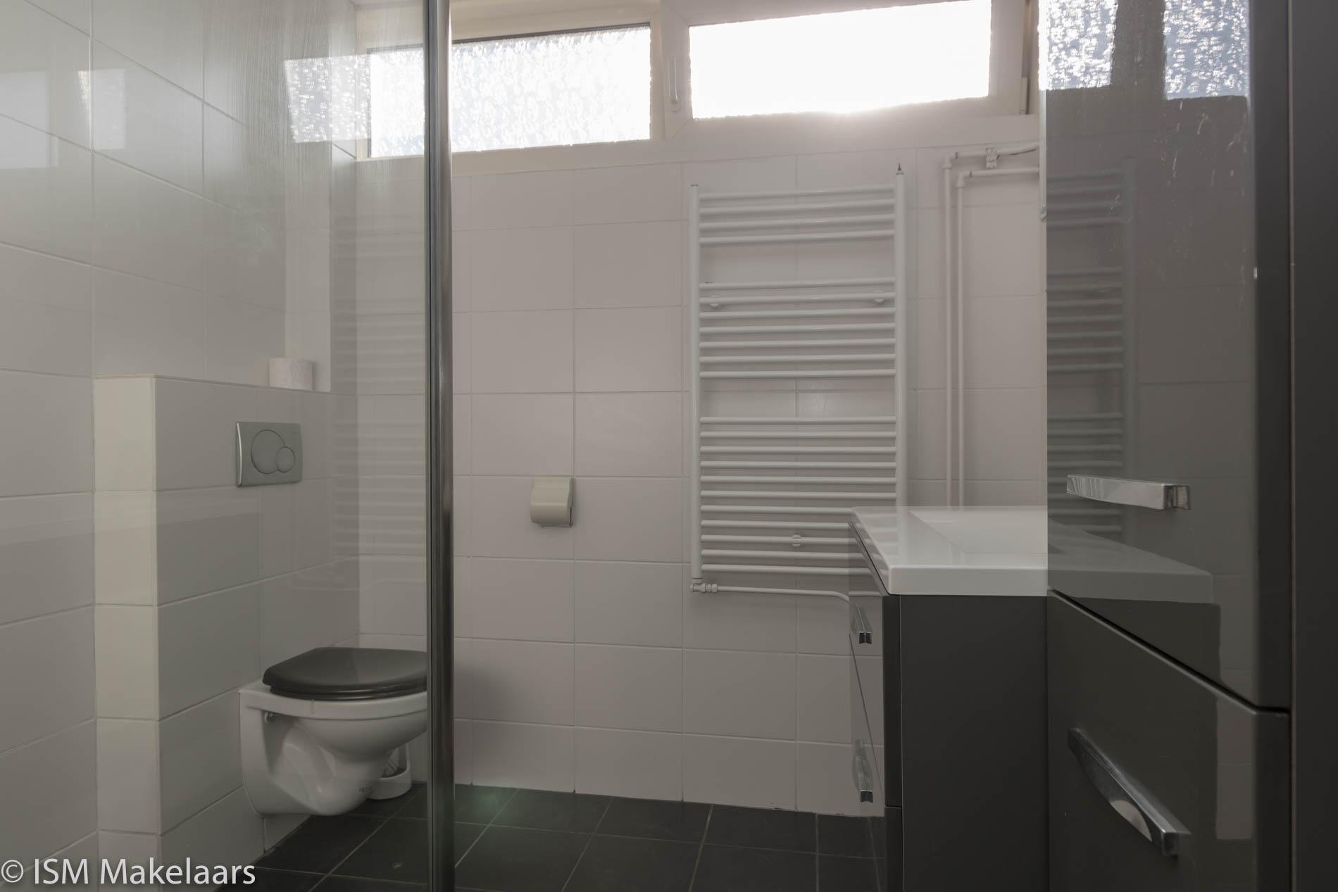 badkamer lelieplein 17 yerseke ism makelaars