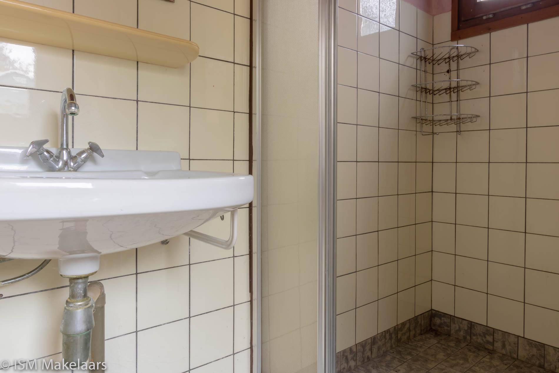badkamer willemsweg 49 schoondijke ism makelaars