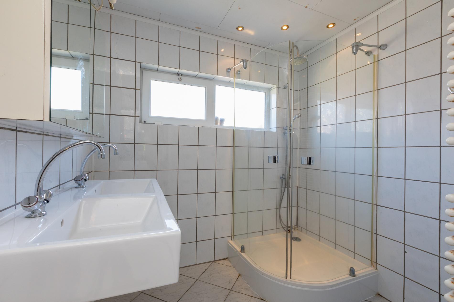 badkamer Berghoekstraat 6 Kruiningen ism makelaars
