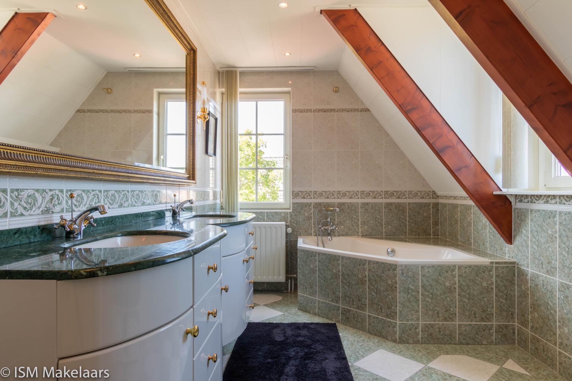 badkamer de spaier 3 zoutelande ism makelaars