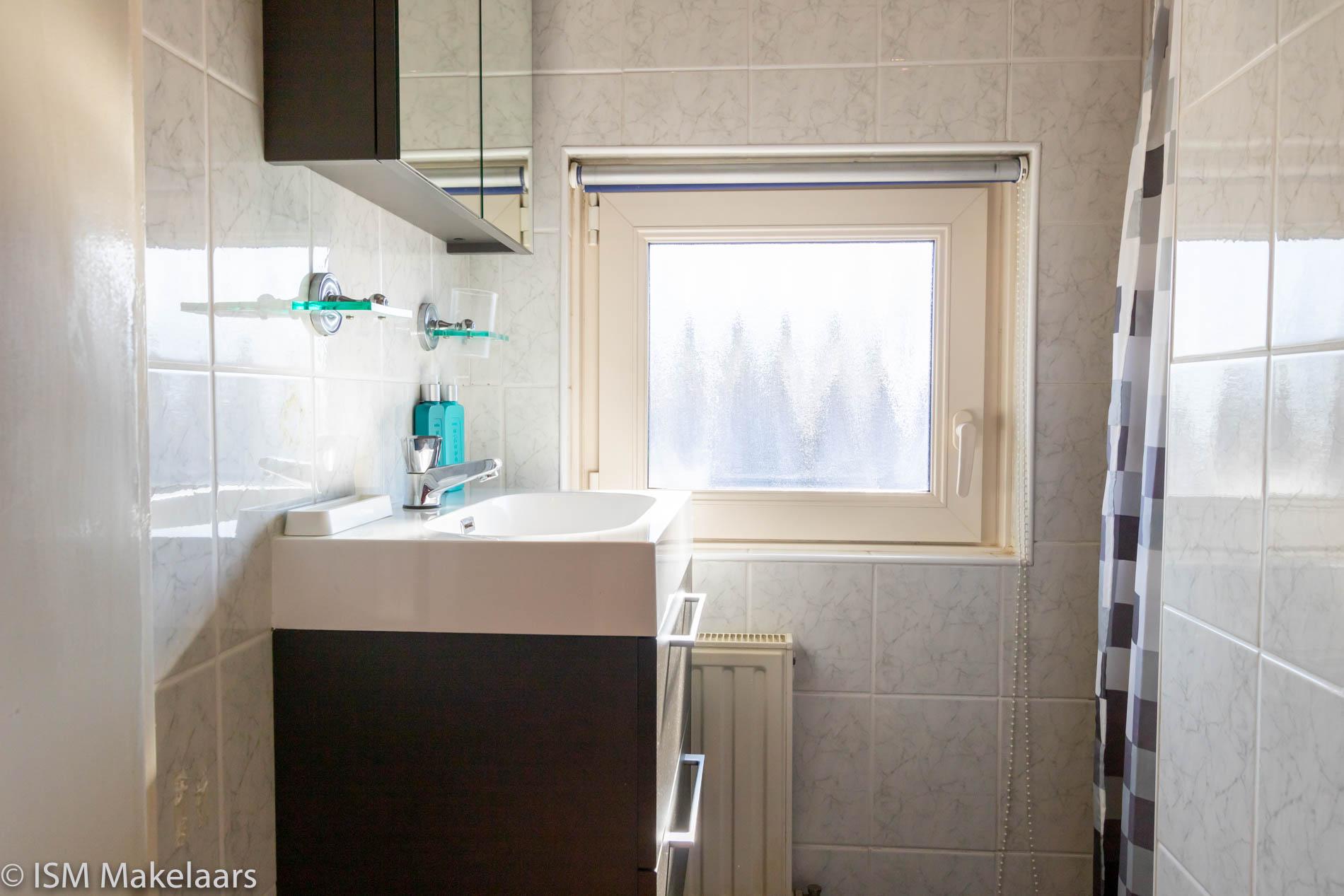badkamer dijkwelsestraat 54 kapelle ism makelaars