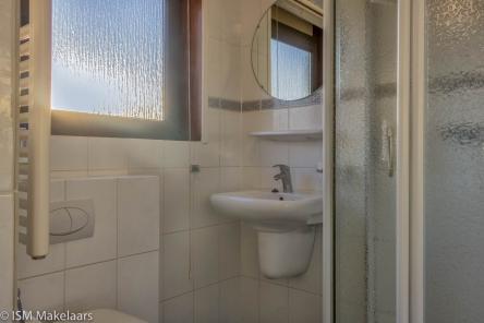 badkamer van walenburghof 1 wolphaartsdijk ISM Makelaars