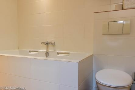 badkamer achterzijde bijsterweg 46 oud sabbinge ism makelaars