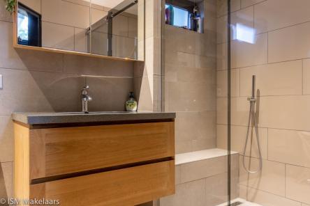 badkamer hollestelleweg 5 ovezande ism makelaars
