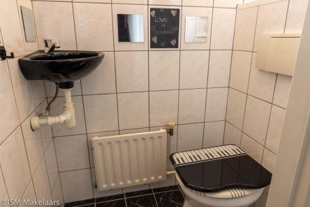 toilet oomskinderenstraat 3 kapelle ism makelaars